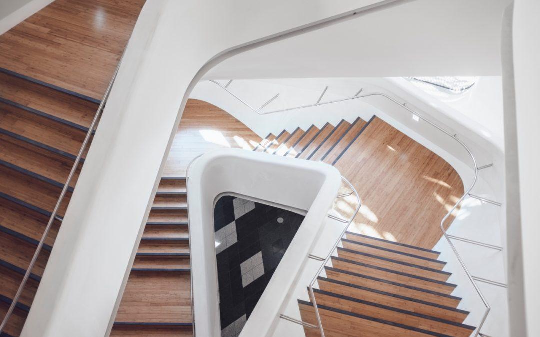 Listwy wykończeniowe na schody – pomysły