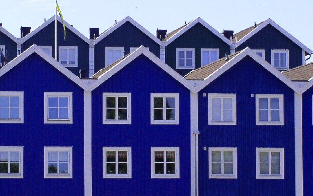Szeregówki – zalety i wady domów tego typu